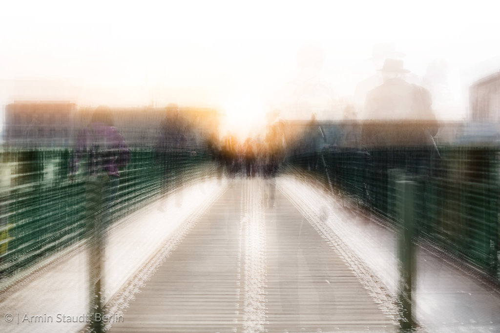 Zeit - Brücke